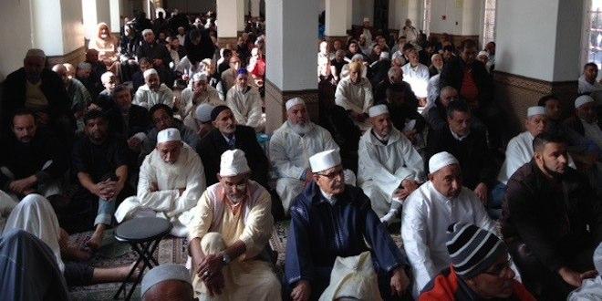 Les musulmans ont prié pour Paris