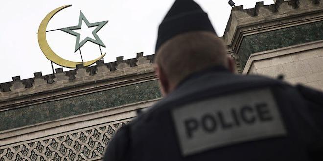 Les mosquées et associations visées par la police.