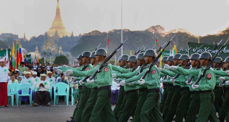 La junte militaire de Birmanie toujours présente.