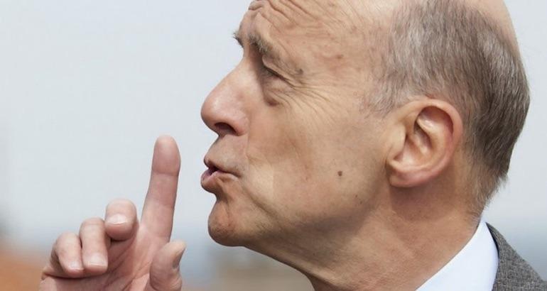 Alain Juppé porte plainte contre X.