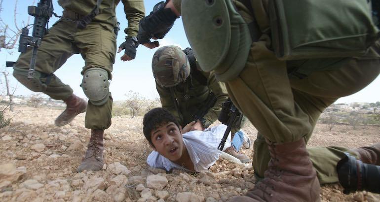 3 enfants palestiniens sur 4 violentés par l'armée ou en prison.