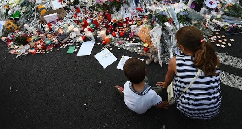 Deuil après l'attentat de Nice le 14 juillet.