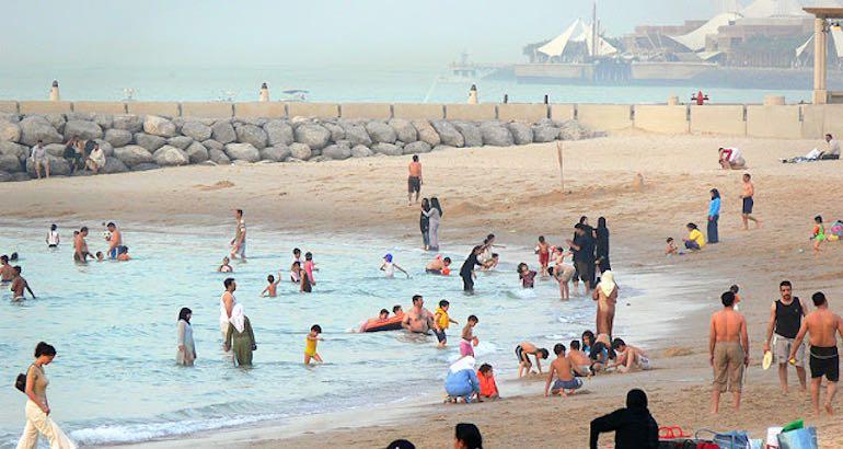 Interdiction maillot de bain plages Koweït.