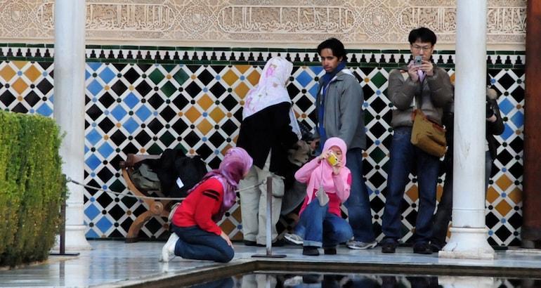Les femmes sont les plus impliquées dans la préparation des voyages et le choix de destinations halal.