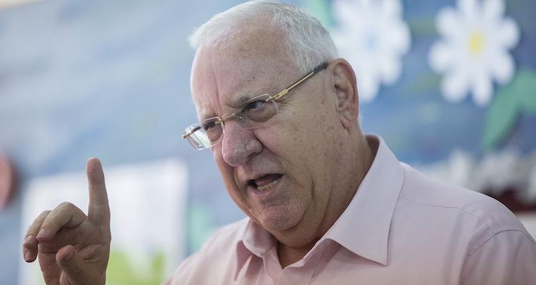 Le président israélien s'indigne du vote de la loi de régularisation des colonies illégales en Cisjordanie.