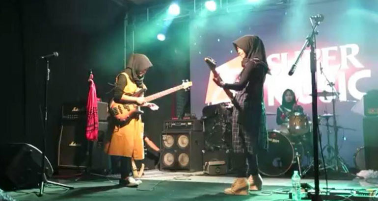 indonesie-groupe-metal-hijab