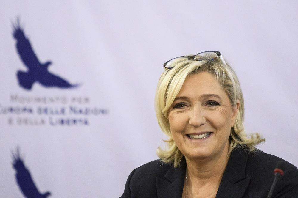 , Prénoms français : les idées de Marine Le Pen et des Républicains convergent