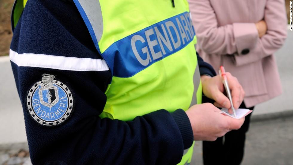 , Montauban : une femme voilée poignardée