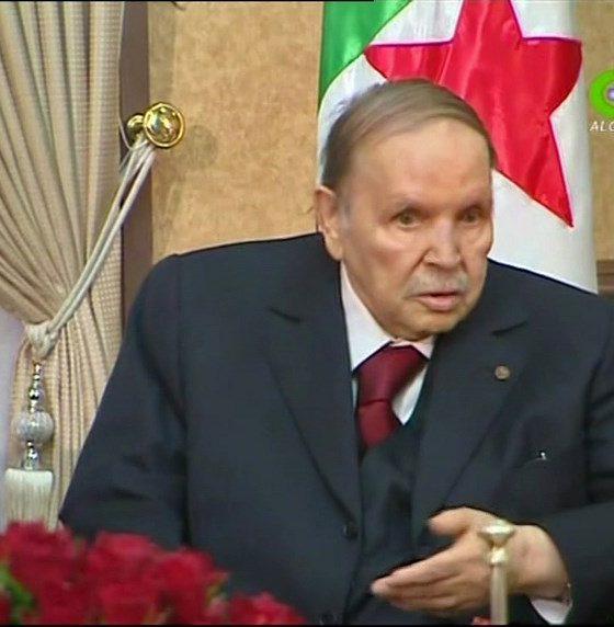 , Algérie : Bouteflika confirme qu'il restera président après expiration de son mandat