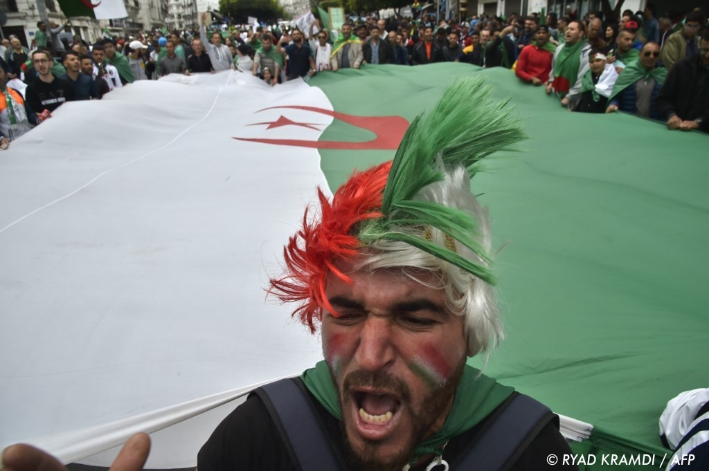 , En Algérie, un neuvième vendredi de manifestations