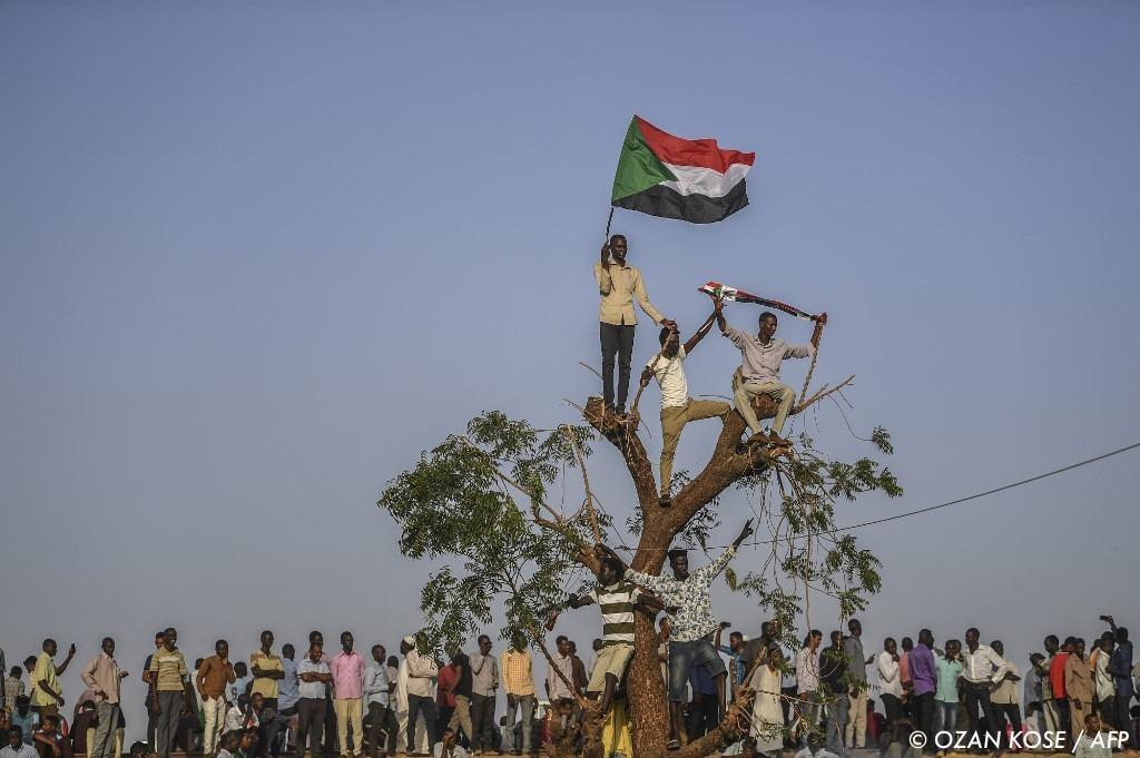 , Soudan : pour la prière du vendredi, le peuple demande à l'armée de céder le pouvoir