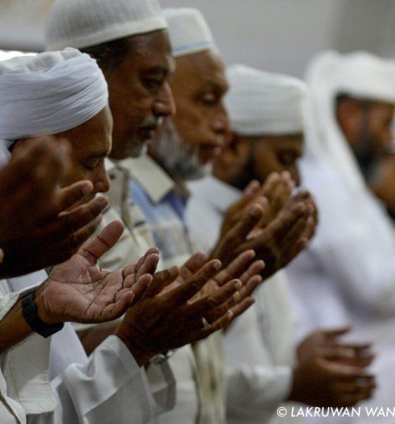 , Les musulmans srilankais restent prudents en ce jour de prière