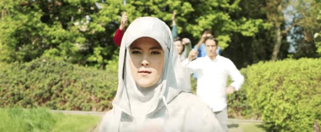 , Une reprise de «balance ton quoi» pour lutter contre l'islamophobie