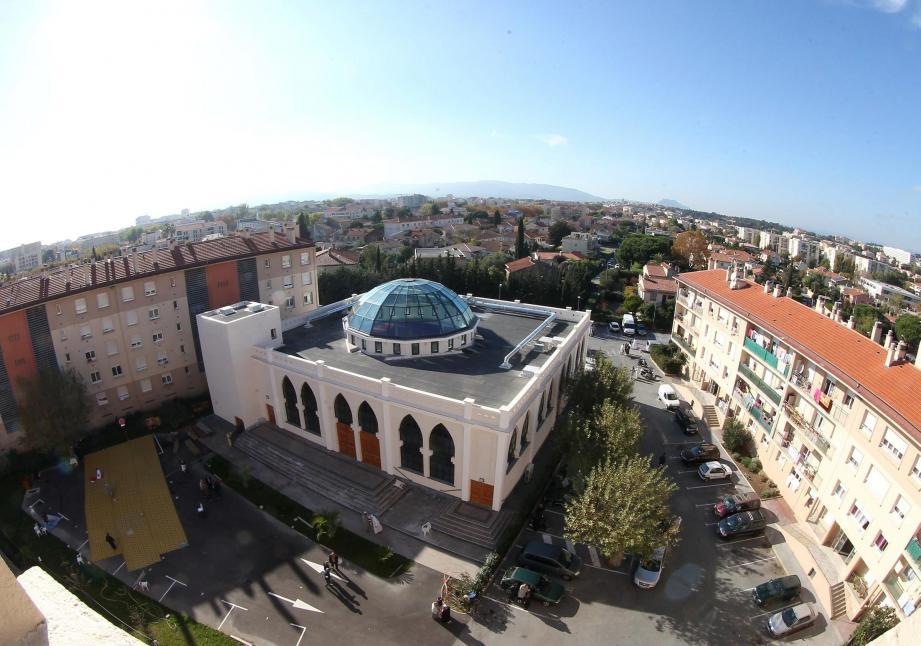 , A Fréjus, un homme menace d'attaquer la mosquée à la kalachnikov